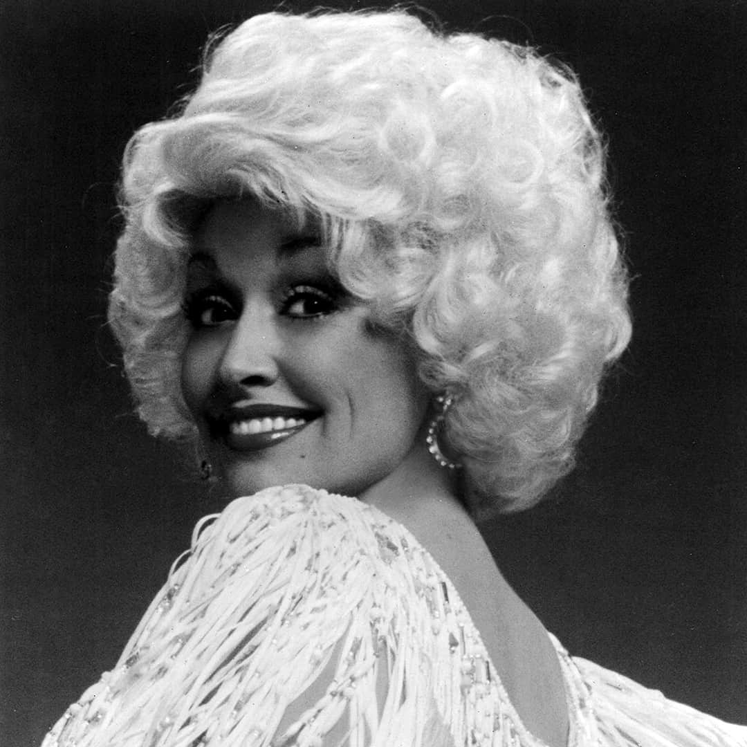 Dolly Parton Biography Nashville Tennesee Country Music Hall Of Fame