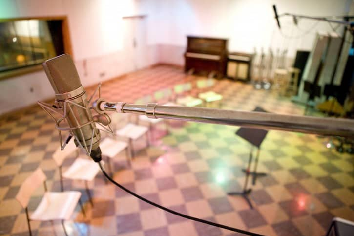 CMHOF-Group-Sales-Historic_RCA_Studio_B_microphone_-_photo_by_Donn_Jones,_courtesy_of_Country_Music_Hall_of_Fame_and_Museum