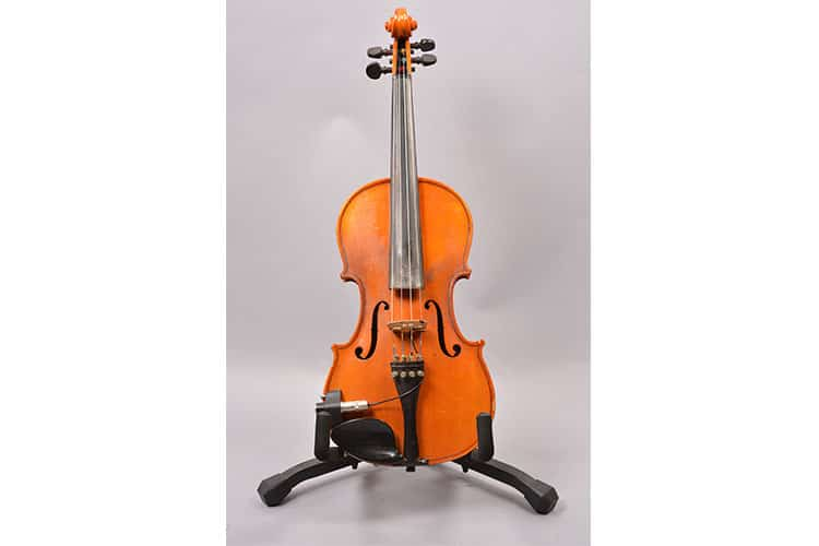 Knilling Bucharest model 4/4 violin, owned by Jimmy De Martini.