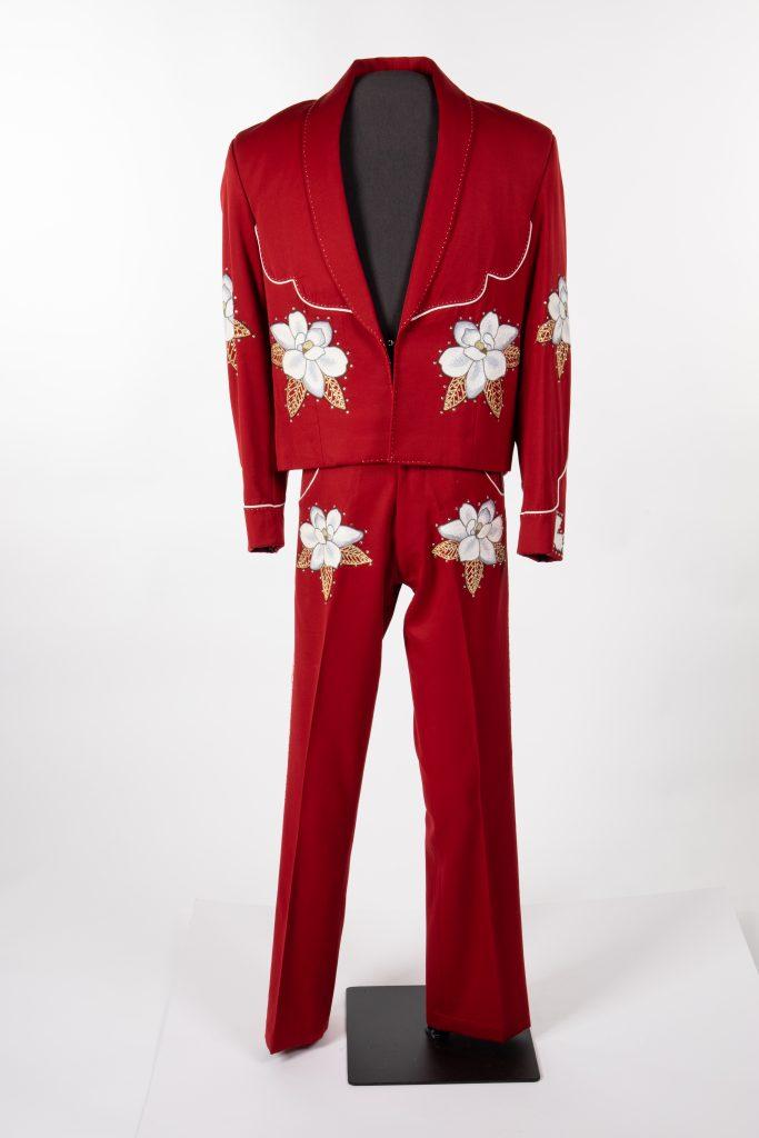Charlie Crockett red suit